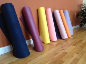 rainbow-yoga-mats_23372897986_o